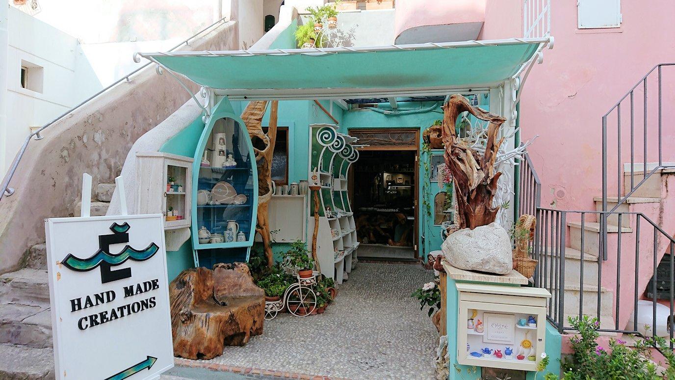 カプリ島のマリーングランデの街にあるお土産物屋さん2
