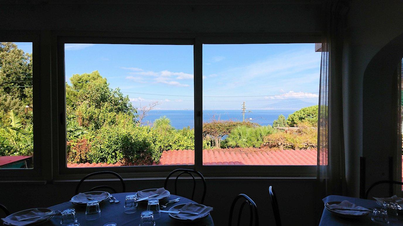 カプリ島のレストラン会場からの眺め