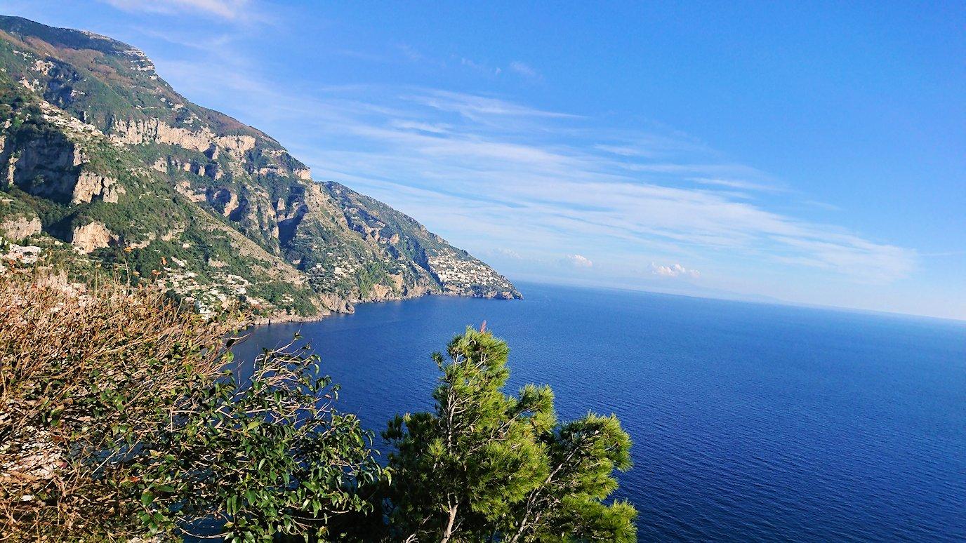アマルフィ海岸のポジータノ付近で絶景を眺める4