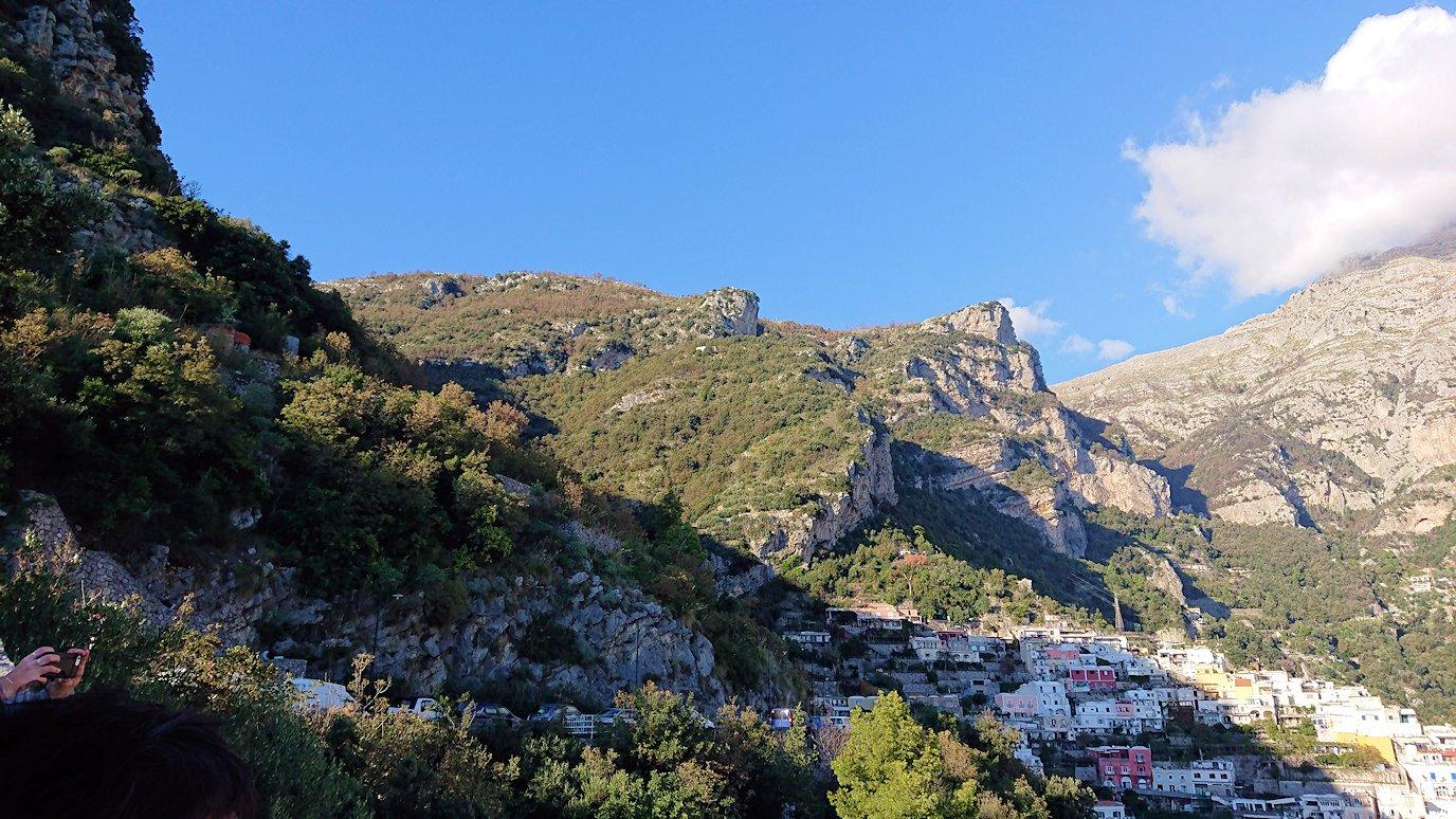 アマルフィ海岸のポジータノ付近で絶景を眺める6