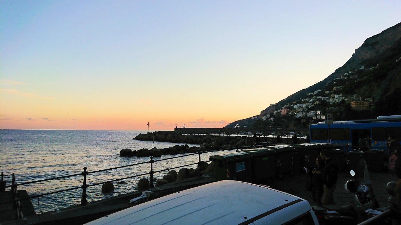 アマルフィ海岸の夕暮れの景色2