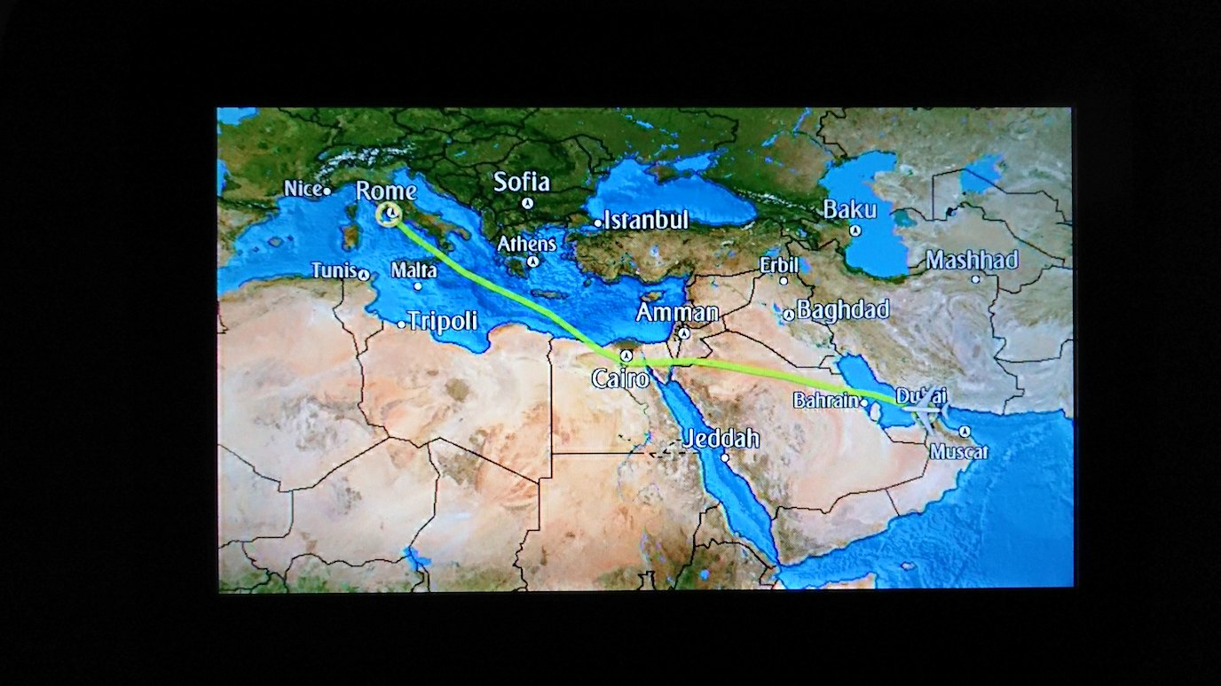 イタリアからの帰りの飛行機の画面