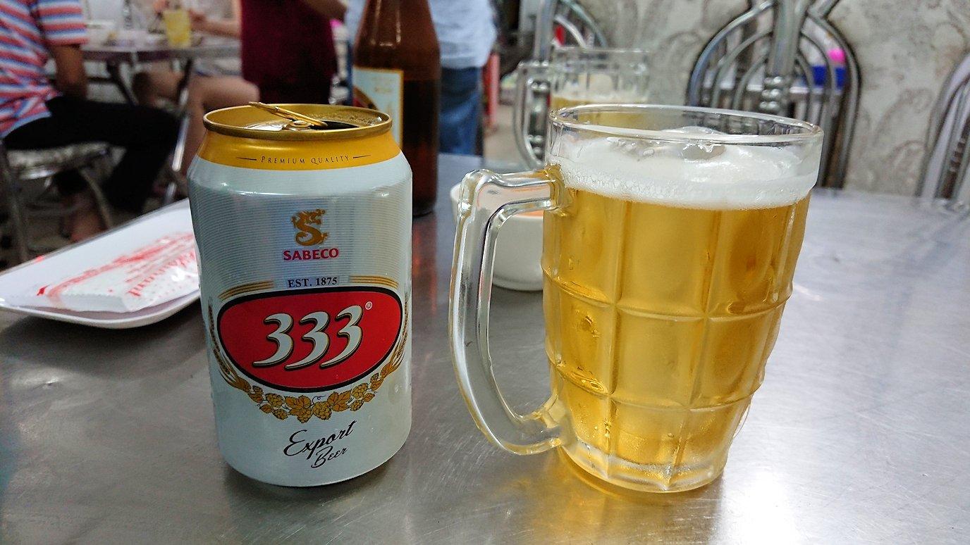 ソフトシェルクラブの料理屋さんでまずビールで乾杯