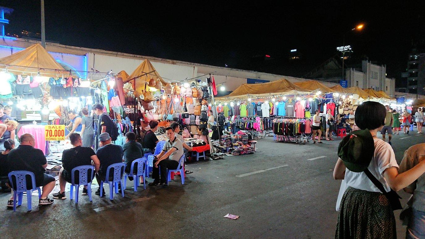 夜のベンコイ:ナイトマーケットに到着する2