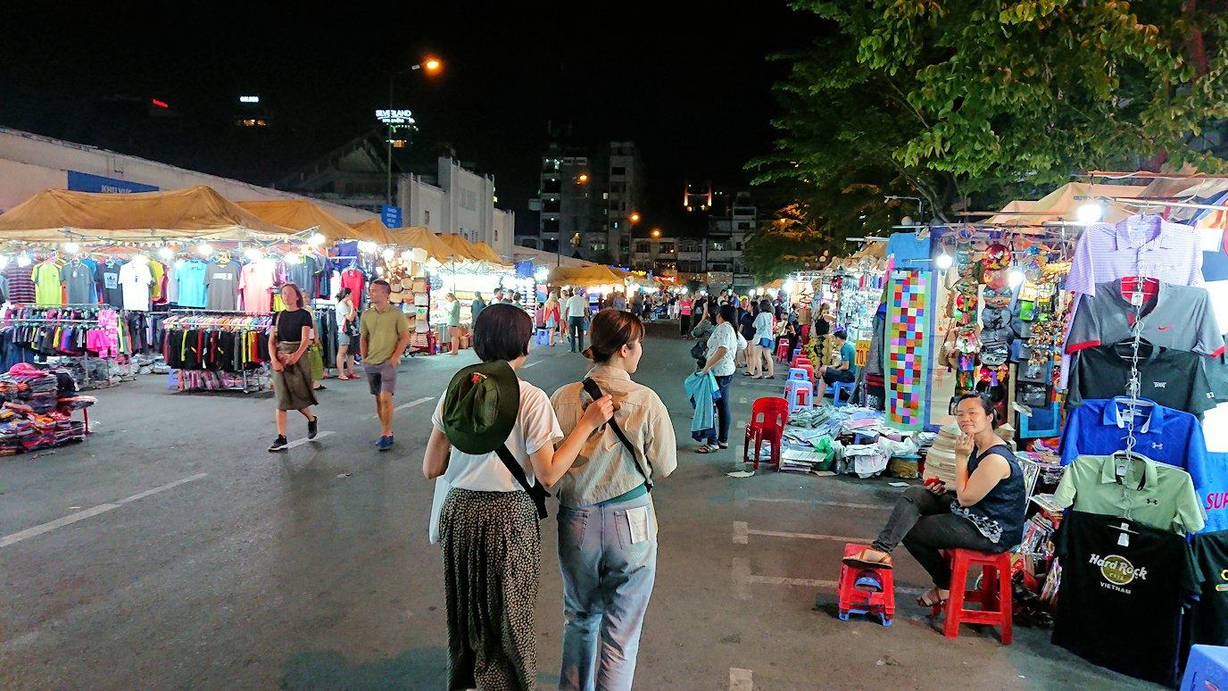 夜のベンコイ:ナイトマーケットに到着する3