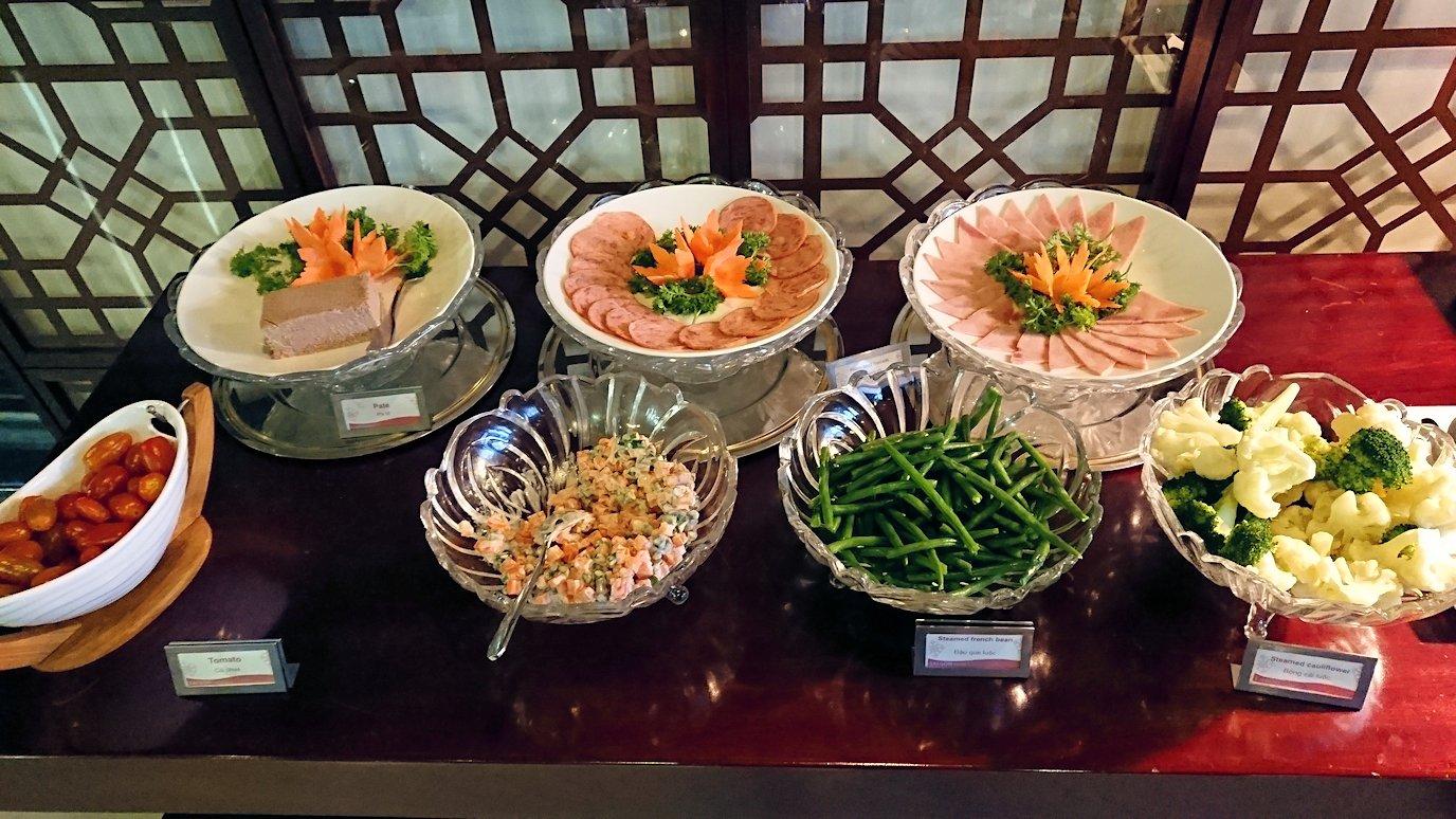 サイゴンホテルの朝食会場4
