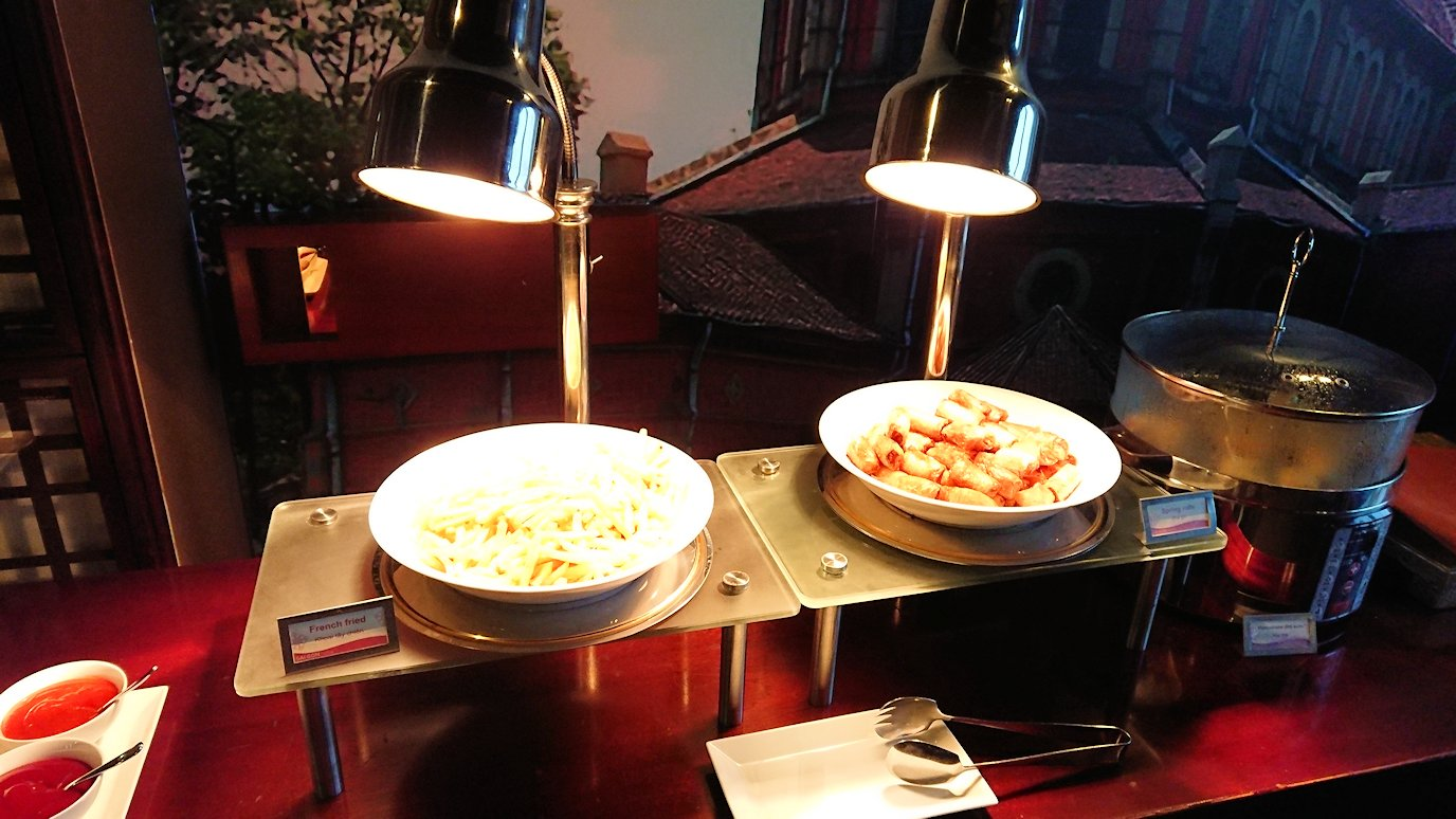 サイゴンホテルの朝食会場5