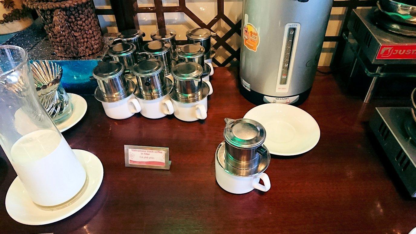 サイゴンホテルの朝食会場のコーヒー2