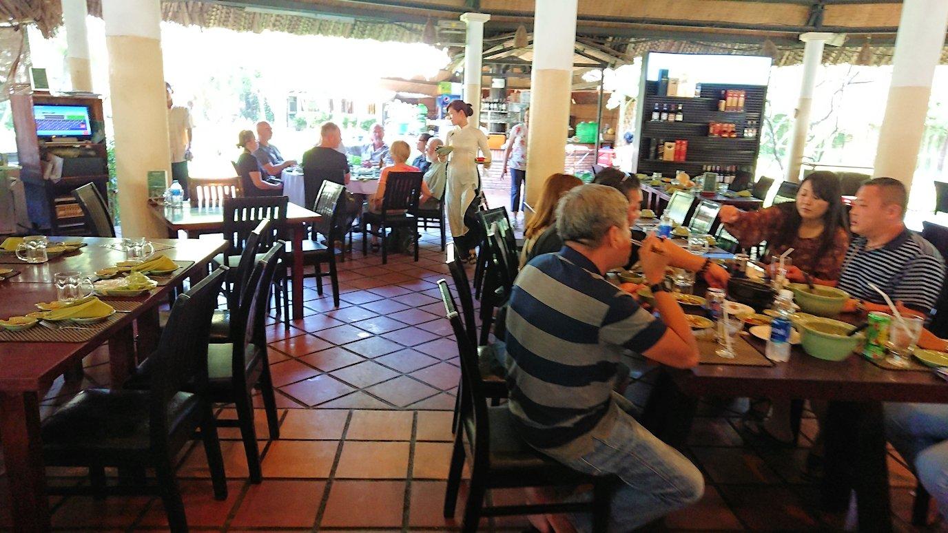 エレファントフィッシュが食べれる昼食レストラン会場9
