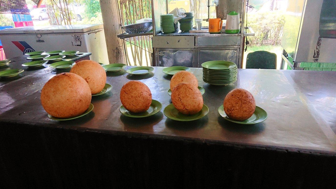 エレファントフィッシュが食べれる昼食レストラン会場の調理風景3