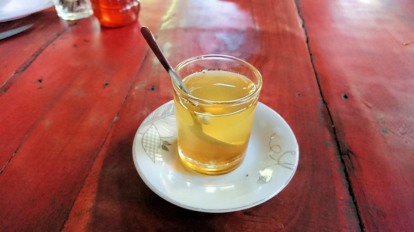 メコン川クルーズの島で蜂蜜を体験2