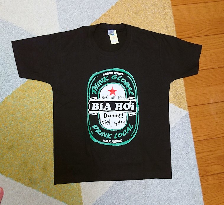 ナイトマーケットで購入したTシャツ3