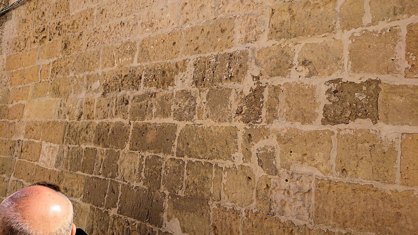 マテーラのサッソ・カヴェオーソ地区の壁