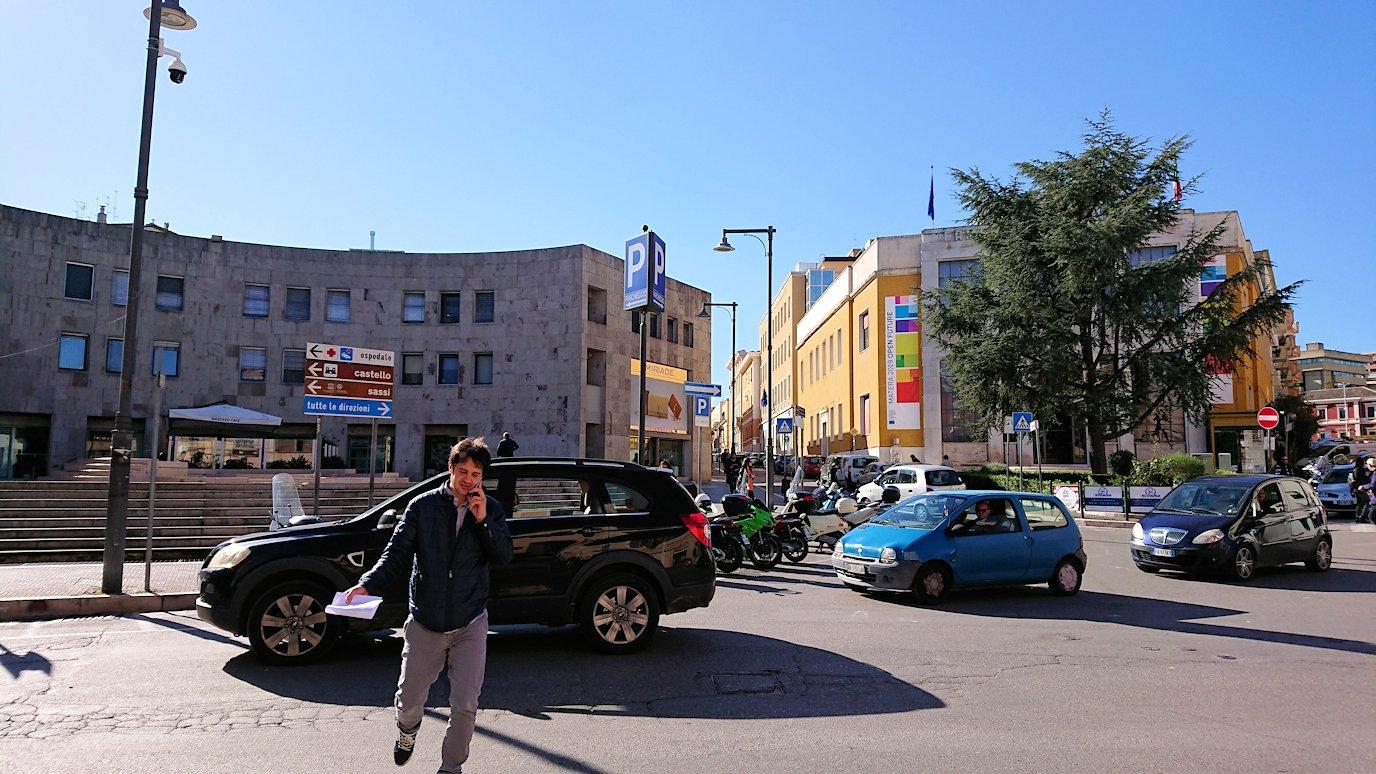 マテーラの街でバス乗り場まで向かう5