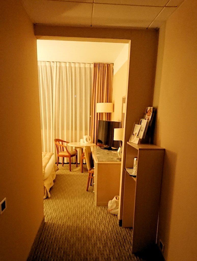 ナポリのホテルの部屋の様子