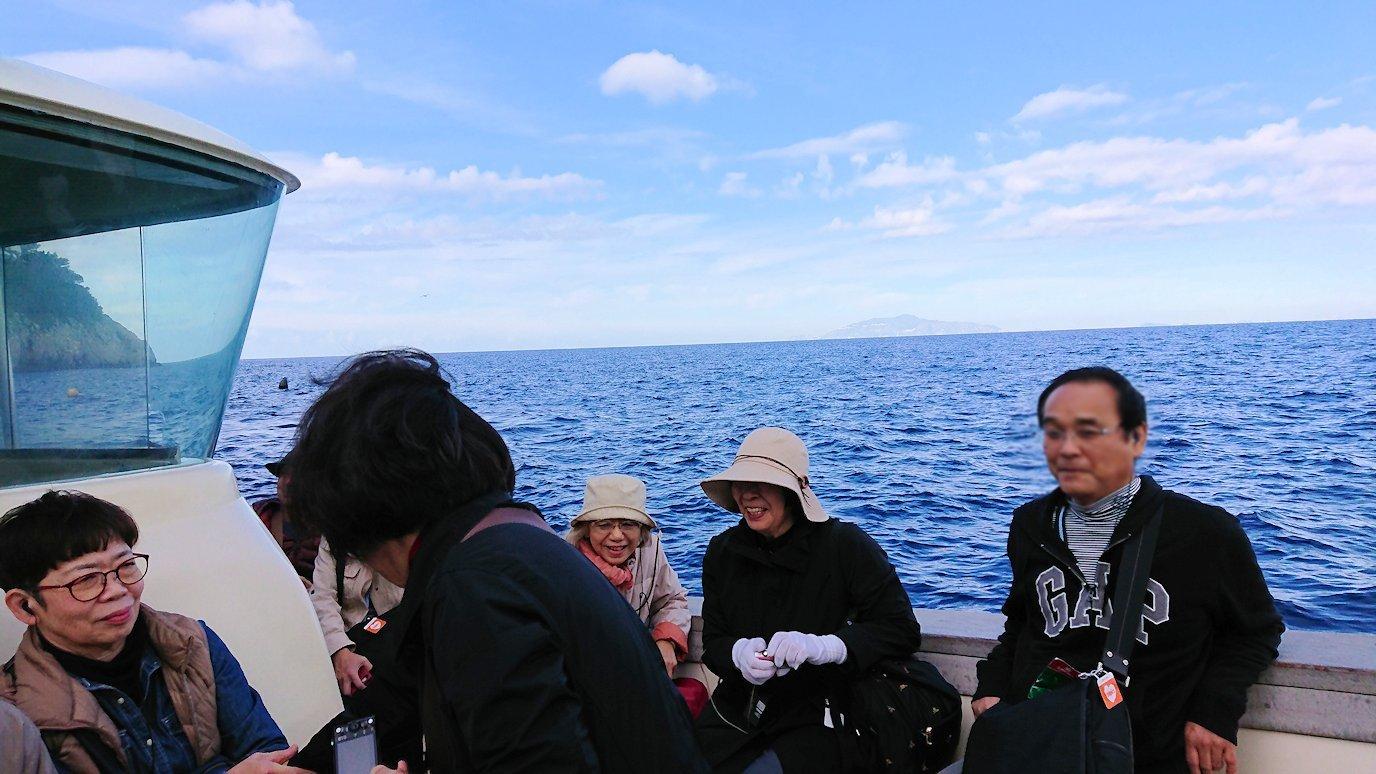 カプリ島から出る船で青の洞窟から戻る際の景色