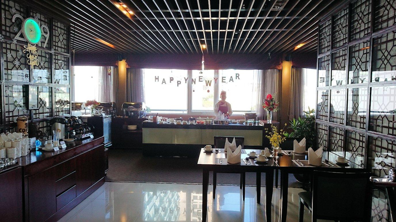 サイゴンホテルの朝食会場は気持ちいい