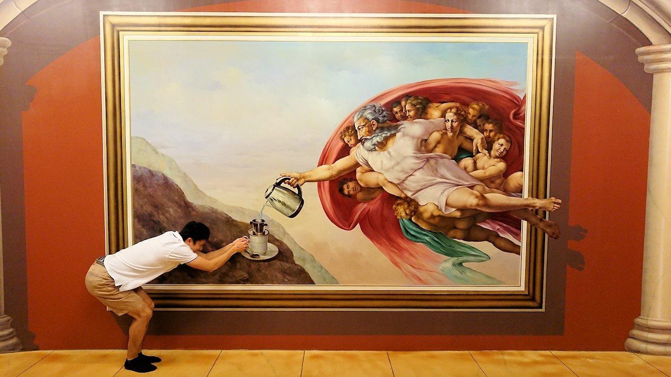 トリックアートミュージアム「アーティナス」で暴れる2人組6