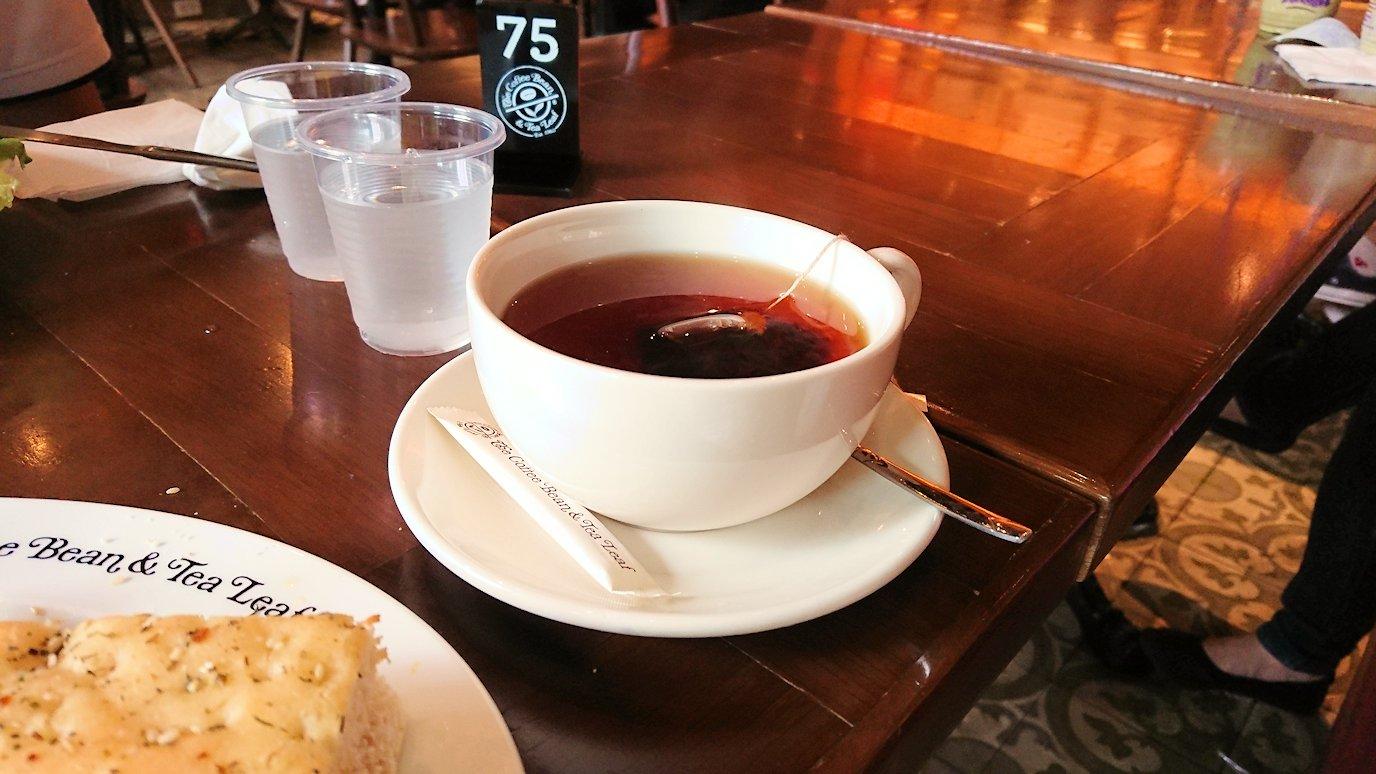 ホーチミン市内のカフェで昼食を食べることに4