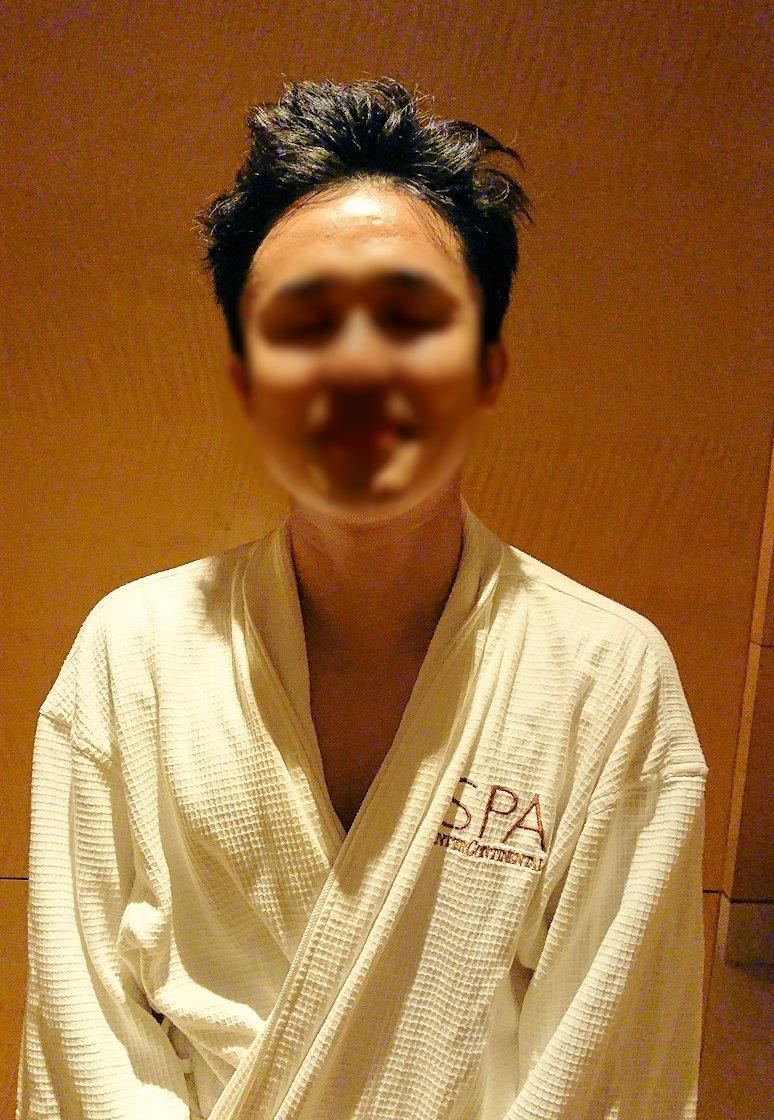 ホーチミン市内のインターコンチネンタルホテルのスパ180分を体験し喜ぶ漢4
