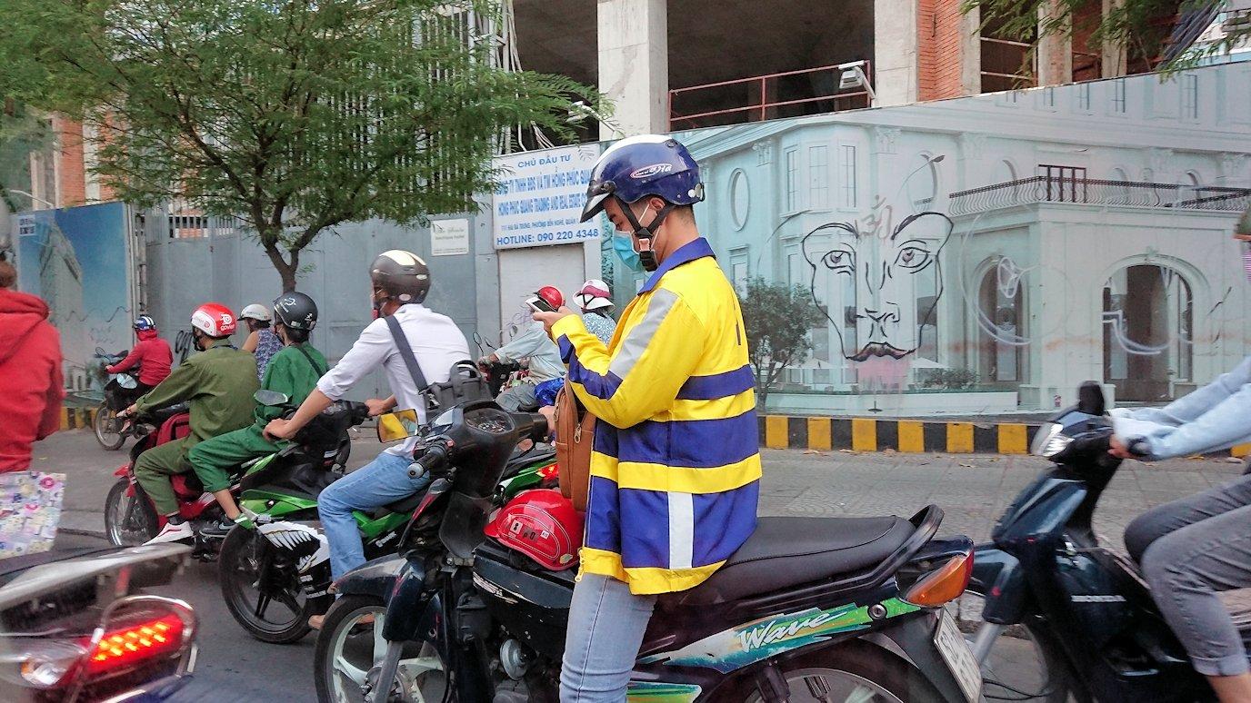 ベトナム最終日もクイーンビーにタクシーで向かう途中に見えた光景2