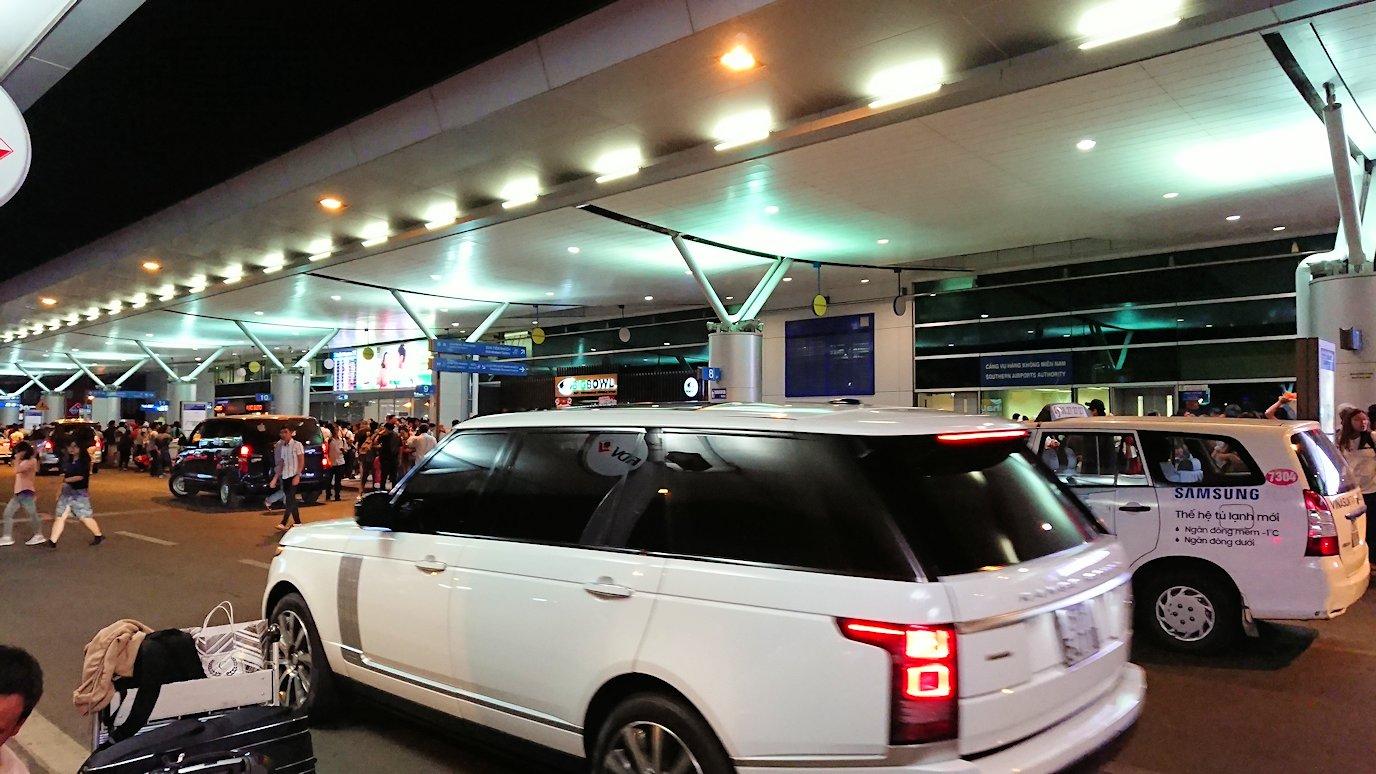 ホーチミン市内から空港へ向かうタクシー6