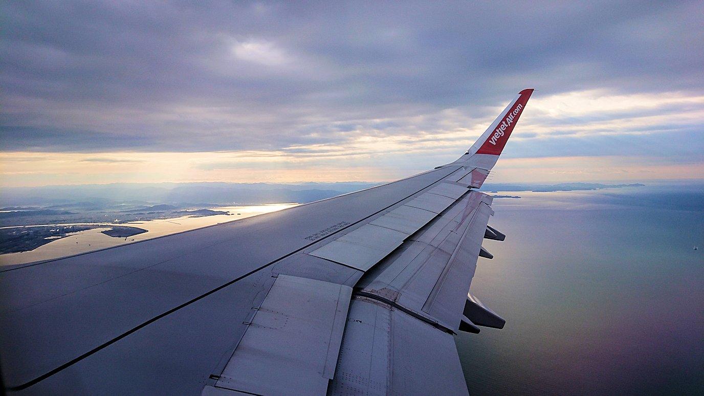タンソンニャット国際空港から帰るベトジェットエアの機内の景色3