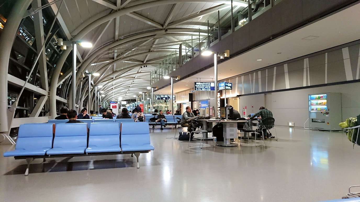 関西国際空港でフライト時間待ち