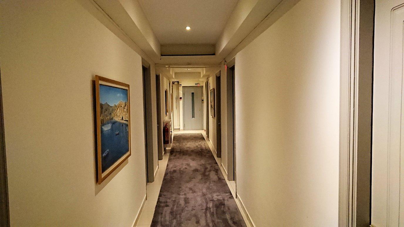 今晩宿泊するデルフィのホテルの部屋の様子7