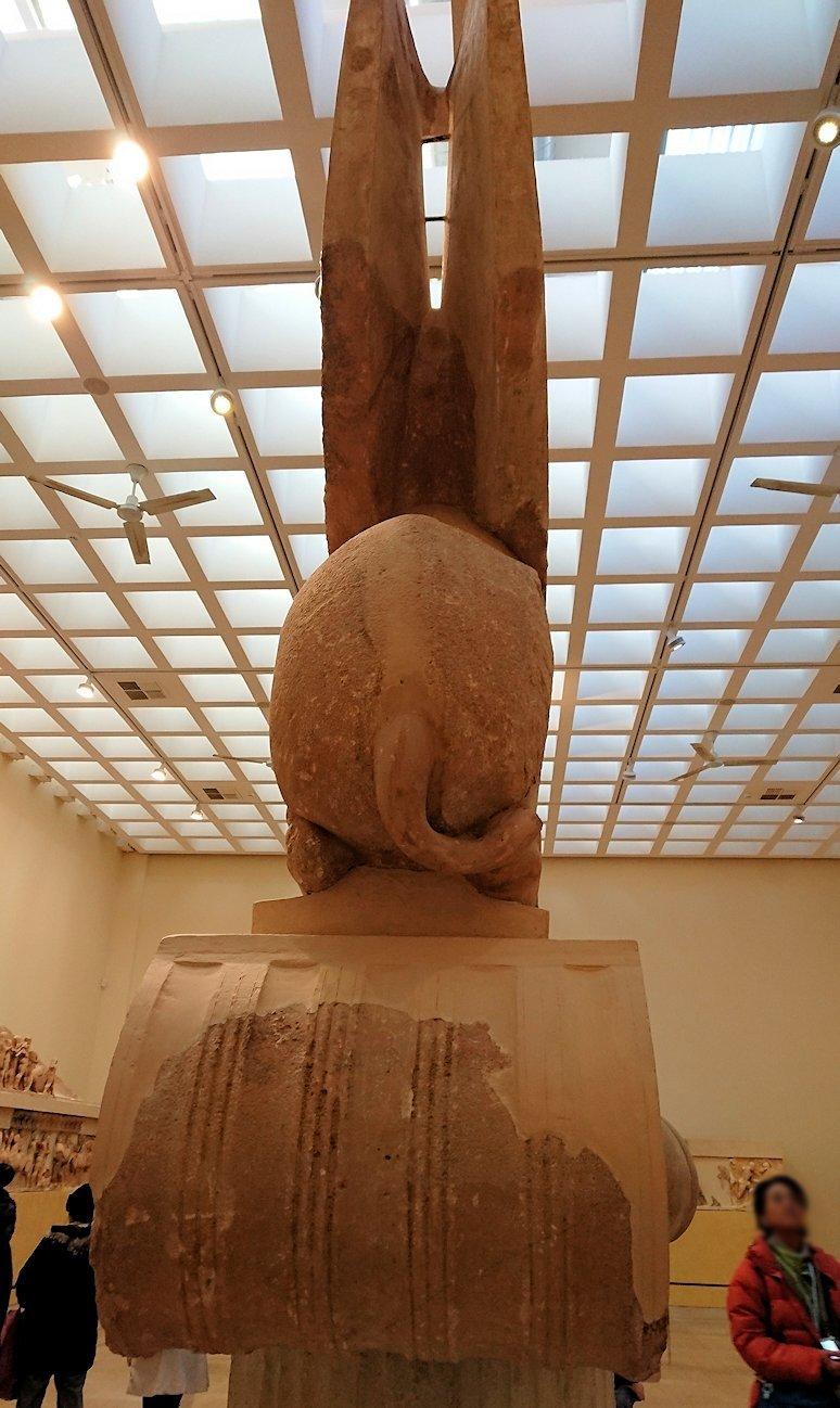 デルフィ遺跡の博物館内のスフィンクスを見る7