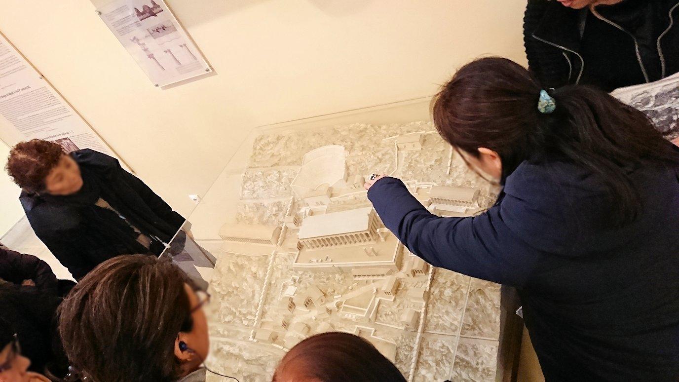 デルフィ遺跡の博物館内の模型2