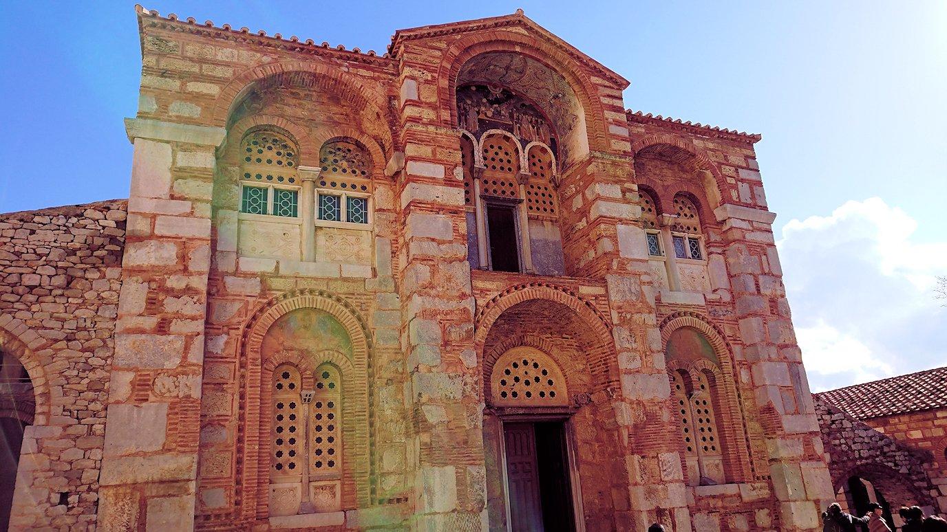 オシオス・ルカス修道院の入口にて6