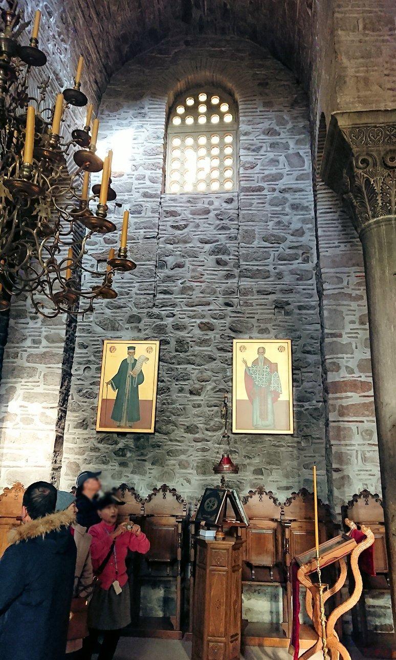 オシオス・ルカス修道院の中の様子6