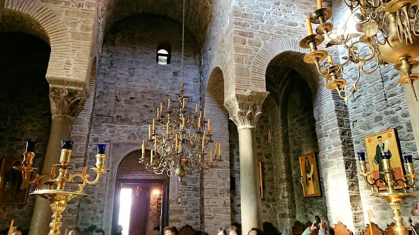 オシオス・ルカス修道院の中に入る4