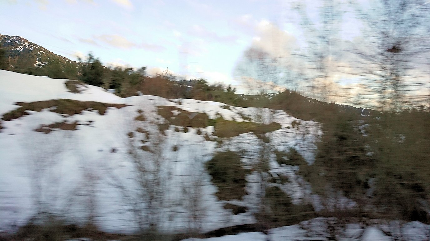 メテオラに向かう途中のバスからの景色