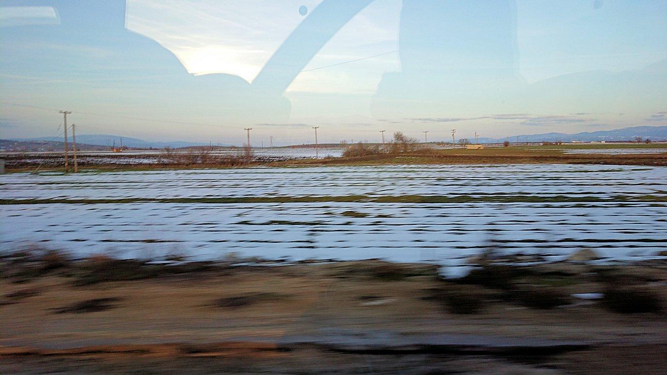 メテオラに向かう途中のバスからの景色3