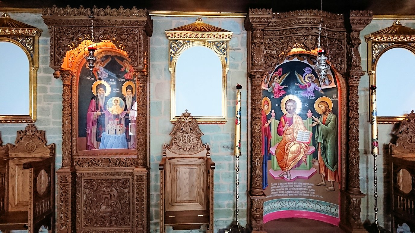 メテオラ地方のアギオス・ニコラオス修道院のお祈り場所を見学2