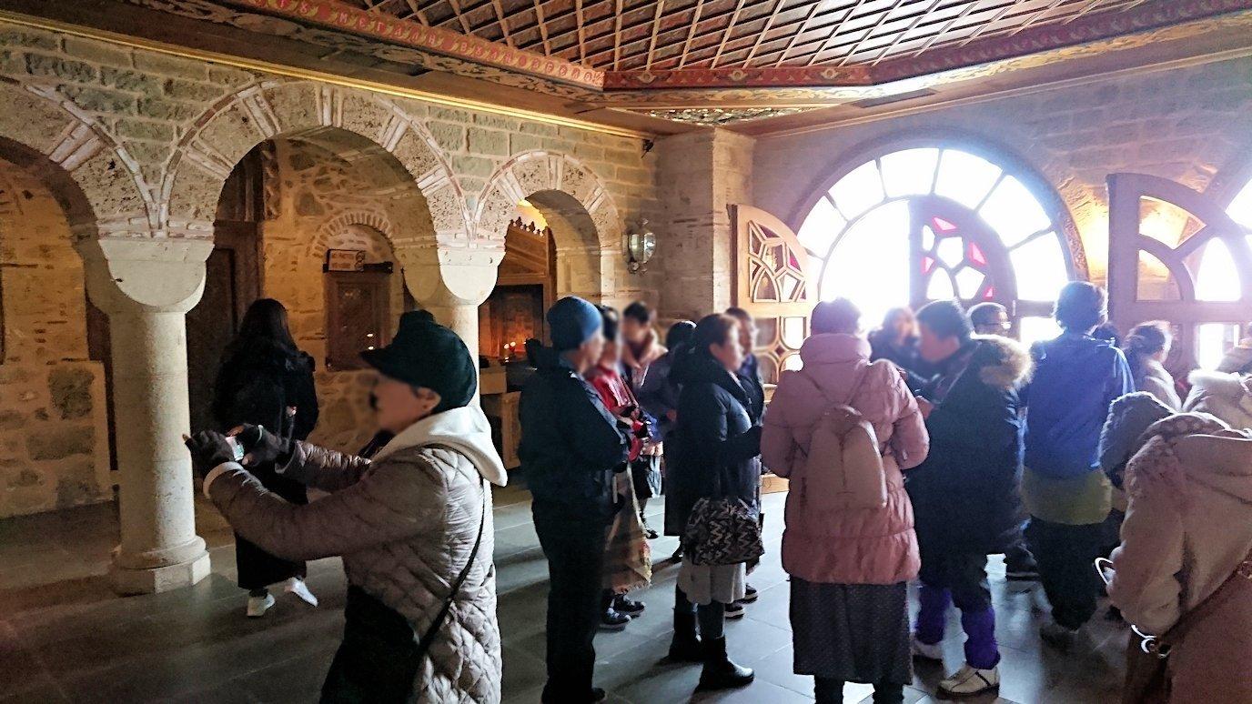 メテオラ地方のアギオス・ニコラオス修道院のお祈り場所を見学4