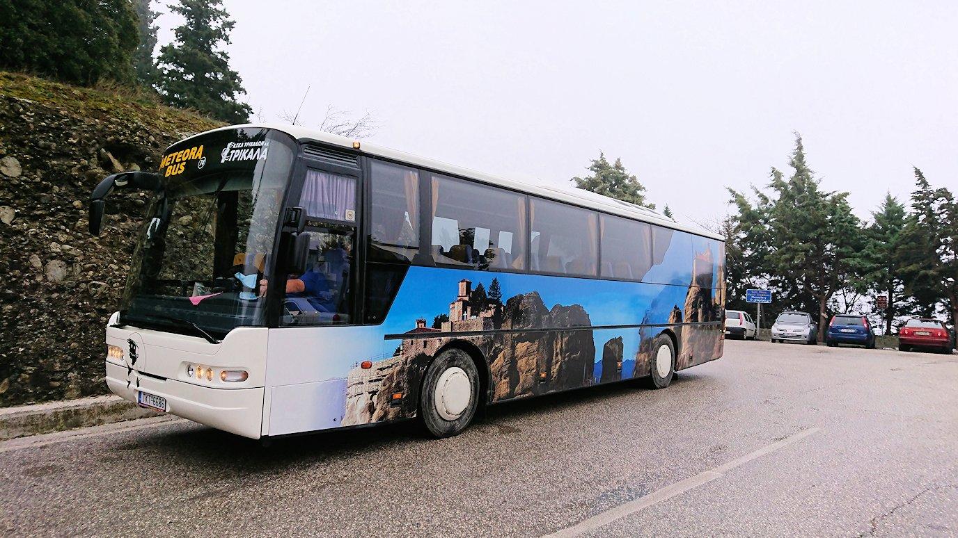 メテオラ地方で見たバスの車体