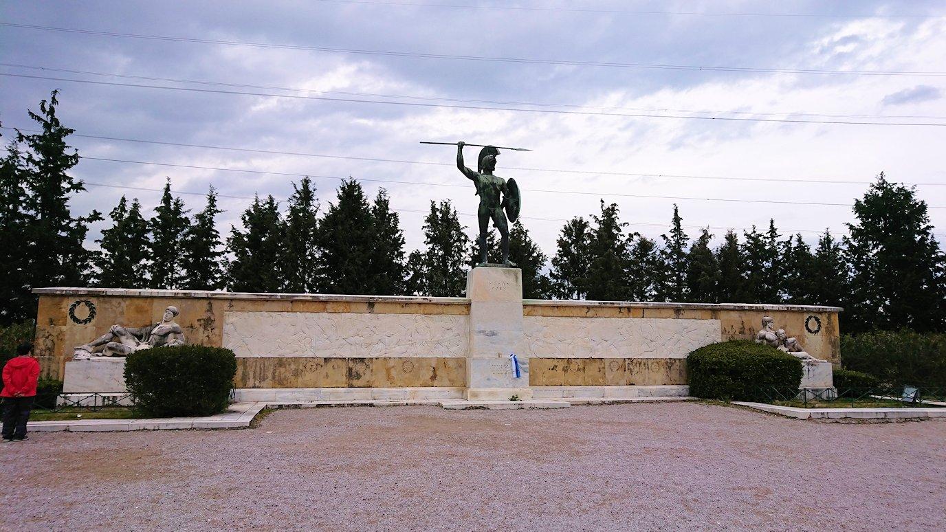 ギリシャのトリカラ地方からアテネに向かう途中に寄ってテルモピュライの戦い跡を訪れる