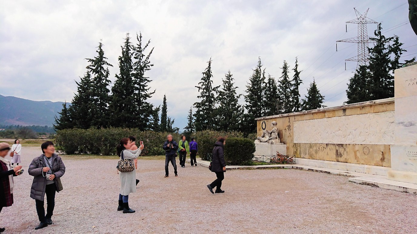 テルモピュライの戦い跡で記念撮影