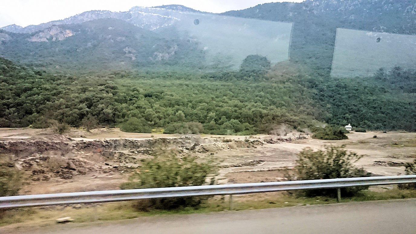 テルモピュライから再びバスでアテネに移動