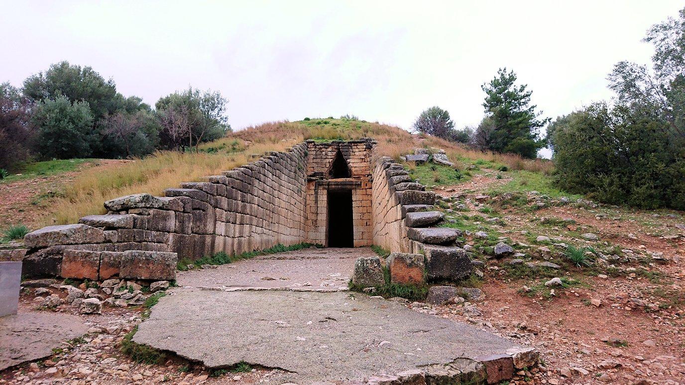 ミケーネ遺跡の宝物庫の見学2