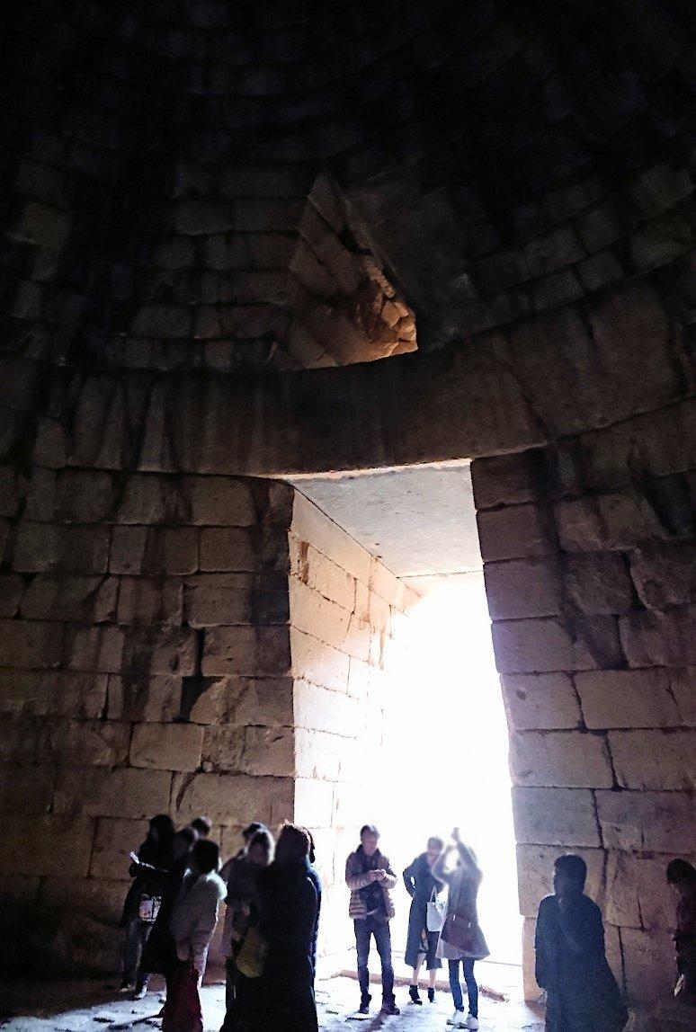 ミケーネ遺跡のアトレウスの宝庫の内側の様子