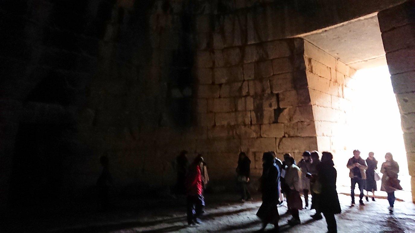 ミケーネ遺跡のアトレウスの宝庫の内側の様子2