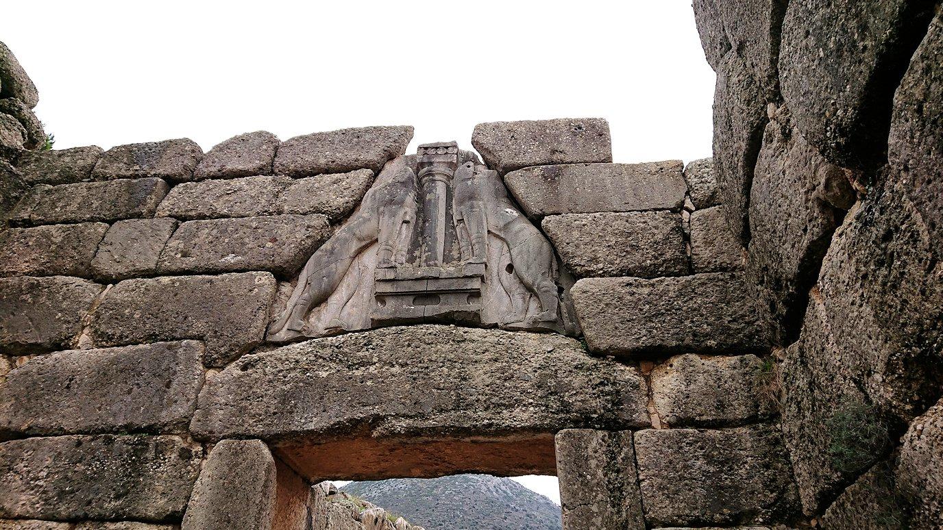 ミケーネ遺跡のライオンゲートのアップ写真