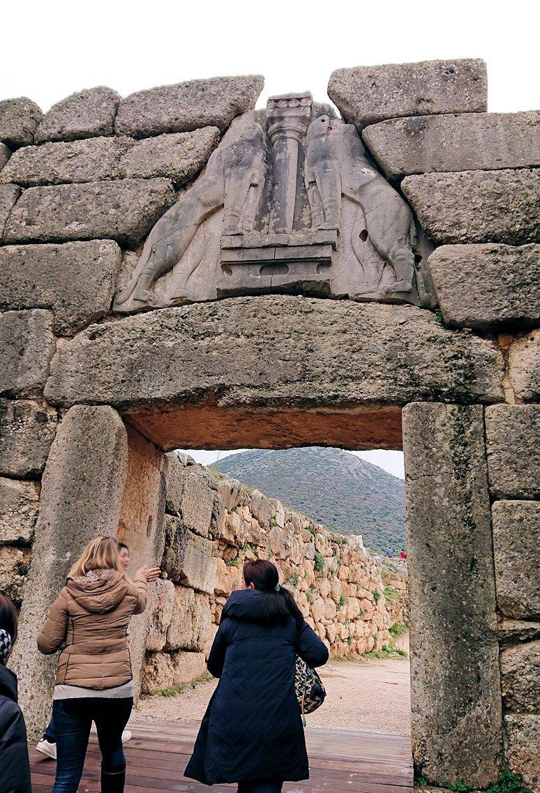 ミケーネ遺跡のライオンゲートのアップ写真2