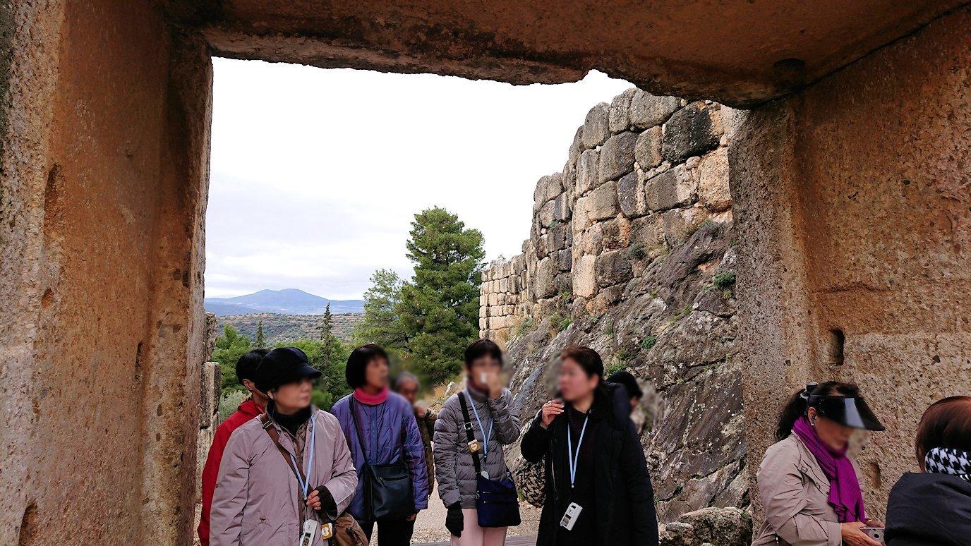 ミケーネ遺跡のライオンゲートのアップ写真4