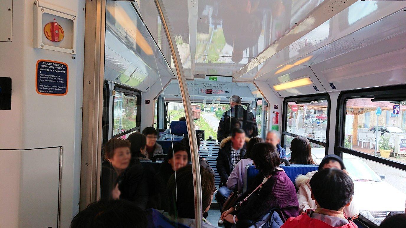 オドンドトス登山鉄道列車の中の様子2