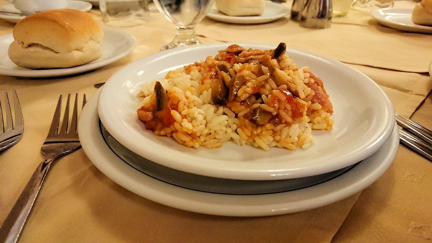 アテネのホテルで食べた夕食の感じ